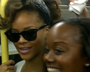 Rihanna fährt mit der U-Bahn zu ihrem eigenen Konzert
